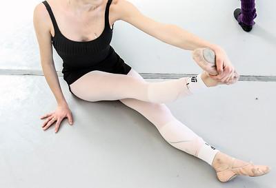 hnews_thur0407_ballerina7.jpg