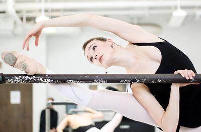 hnews_thur0407_ballerina4.jpg