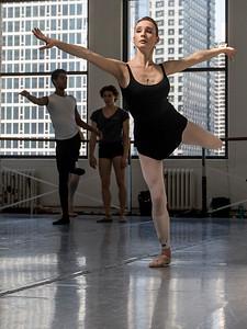 hnews_thur0407_ballerina15.jpg