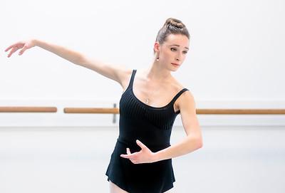 hnews_thur0407_ballerina1.jpg