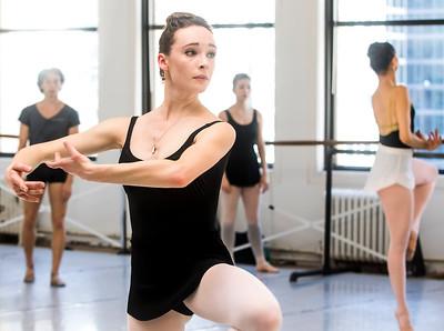 hnews_thur0407_ballerina16.jpg