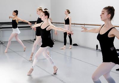 hnews_thur0407_ballerina14.jpg