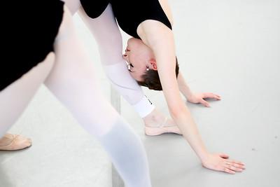 hnews_thur0407_ballerina6.jpg