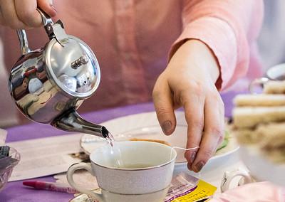 hnews_sun0402_Ladies_Tea_02.jpg