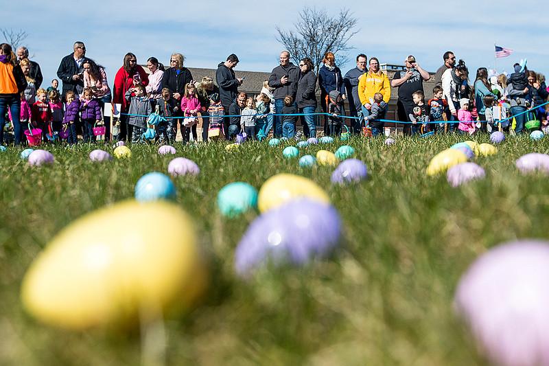 hnews_sun0408_Easter_Egg_Hunt_04.jpg