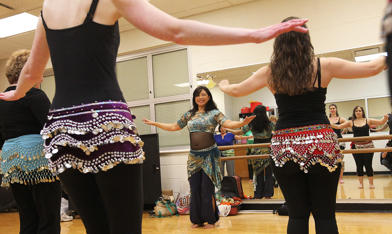 LCJ_0427_Belly_Dancing_C