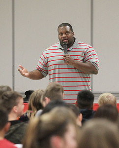 "Candace H. Johnson-For Shaw Media Anthony ""Spice"" Adams, former Chicago Bear, and co-host of Inside the Bears, talks about growing up in Detroit and his journey into the NFL to students at the Stanton Middle School in Fox Lake."