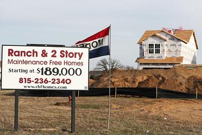 hnews.042618.building.houses