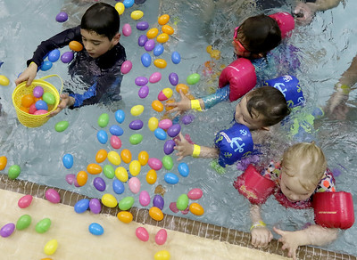 hnews_0412_Floating_Eggs