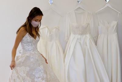 hnews_0401_Bridal_Shopping