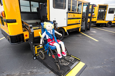 hnews_thur0911_Bus_Safety5.jpg