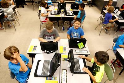 hnews_wed817_school_tech2