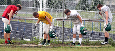 hspts_adv_fball_practice_cls_water