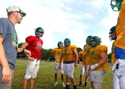 hspts_adv_fball_practice_cls_Busam
