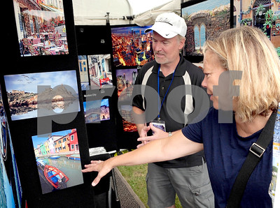 Live music and fine art on display Glen Ellyn Lions Club's 47th annual Festival of the Arts Saturday