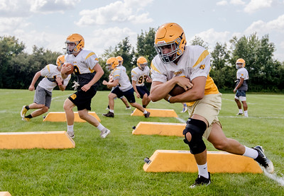 hspts_adv_Jacobs_Football_Practice_05.jpg