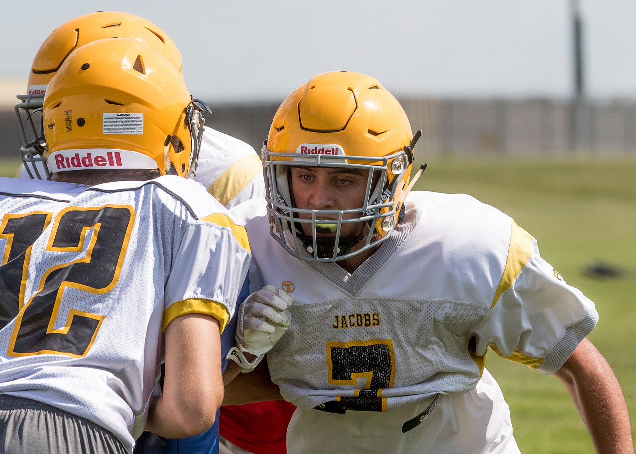 hspts_adv_Jacobs_Football_Practice_08.jpg