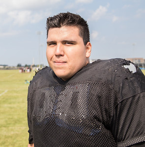 Woodstock North High School lineman Kenny Villa during practice Thursday, August 10, 2017 in Woodstock.  Ken Koontz – For Shaw Media