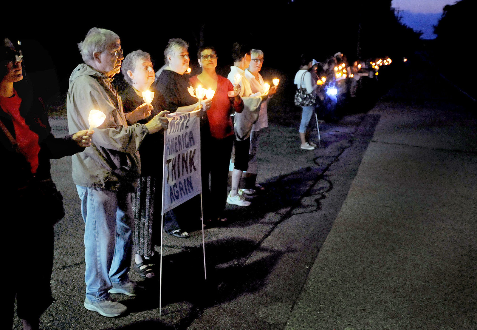 hnews-tue815-vigil_of_prayer