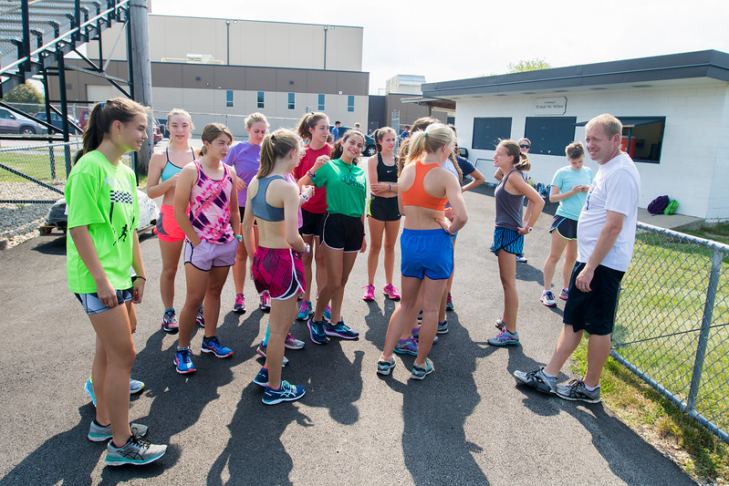 hspts_adv_Girls_Xcountry_03.jpg