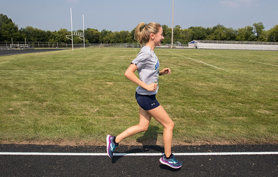 hspts_adv_Girls_Xcountry_01.jpg
