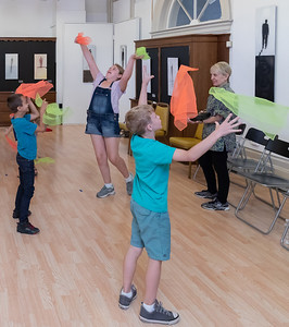 KKids are taught to 2-hand juggle with scarfs Saturday, August 25, 2018 at Dickinson's Little Vaudeville Saturday, August 25, 2018 at the Opera House in Woodstock. Old-fashioned Vaudeville Variety skills, acting, comedy routines, stage direction, Vaudeville terminology, and more are taught at the school.  KKoontz – For Shaw Media