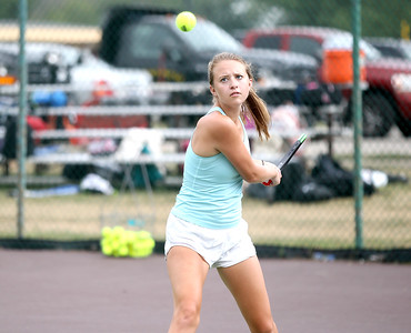 Hinsdale South tennis player Aimee Puz