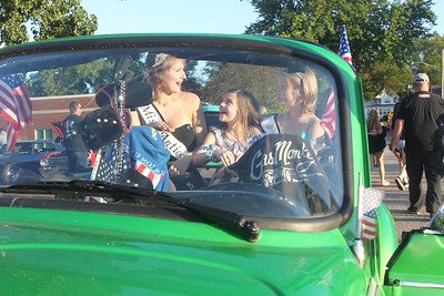 "Candace H. Johnson-For Shaw Media Lyrik Stay, 16, Kali Pietrowski, 9, and Madison Dempsey, 13, 2019 Antioch Queens sit in a 1978 customized Volkswagen during the 14th Annual Classic & Custom Car Show and ""It's Thursday"" Concert Series featuring the band, Class of '68, at the William E. Brook Entertainment Center in Antioch.The car was owned by Ken Washburn, of Gurnee. (8/3/19)"
