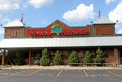 hnews_0806_Texas_Roadhouse