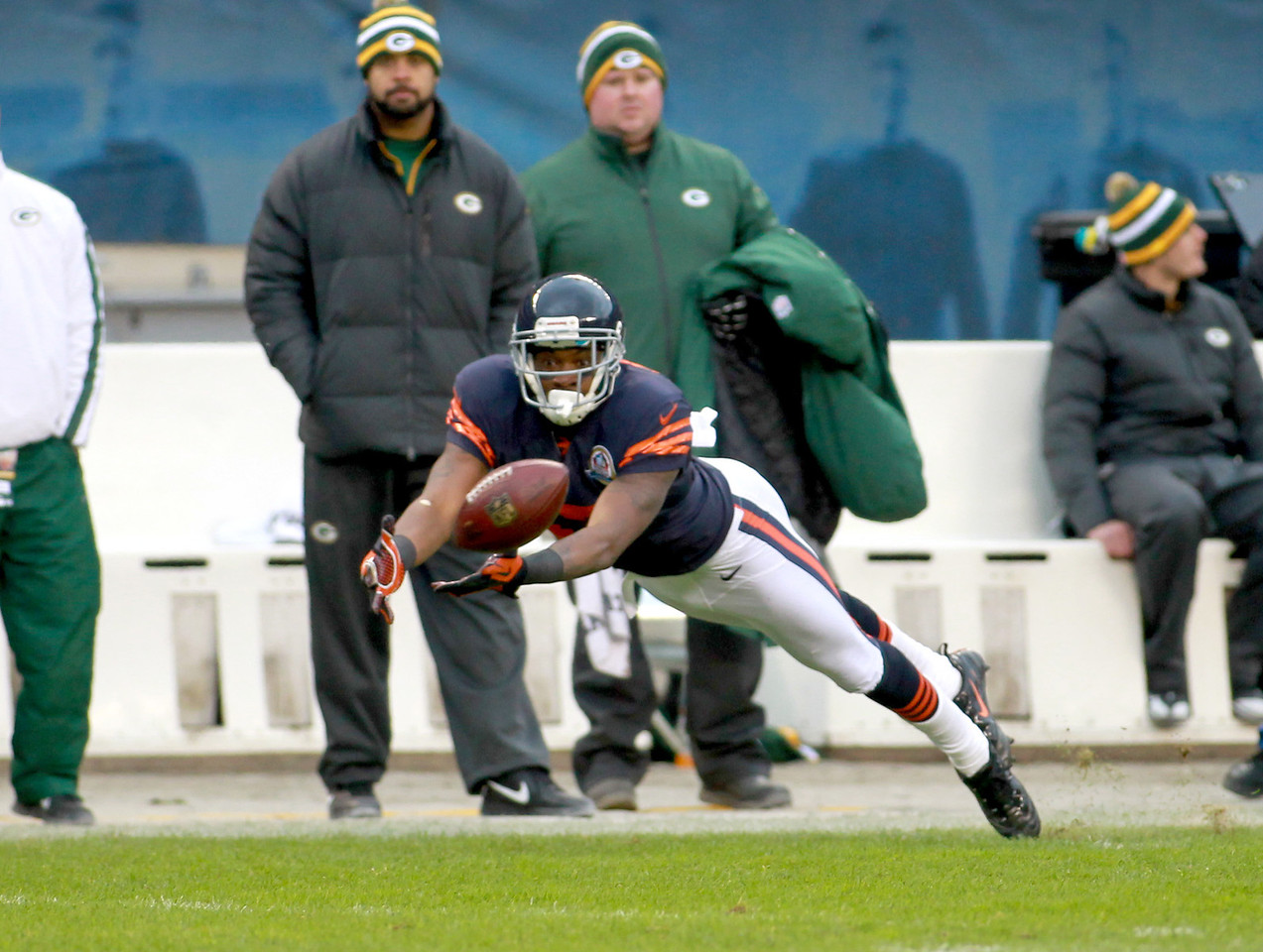 Chicago Bears wide receiver Alshon Jeffery is unable to complete a pass in the second half of their 21-13 loss to the Green Bay Packers at Soldier Field Sunday.(Sandy Bressner photo)