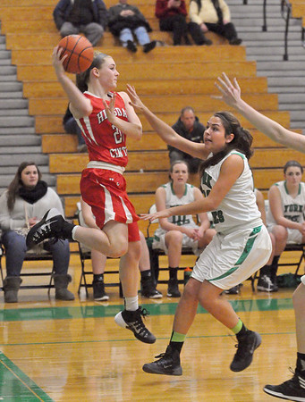 York hosts Hinsdale Central girls basketball