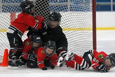 hnews_fri1204_Hockey_Kids_02