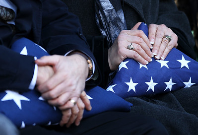 hnews_sun1220_Weiss_Funeral_