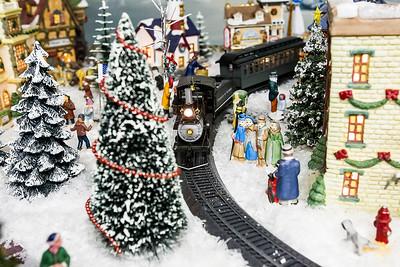 hstyle_adv_Christmas_Village_4.jpg