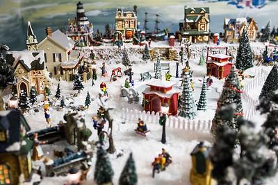hstyle_adv_Christmas_Village_2.jpg