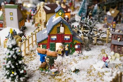 hstyle_adv_Christmas_Village_6.jpg