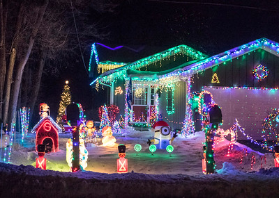 hnews_thur1221_Holiday_lights_02.jpg