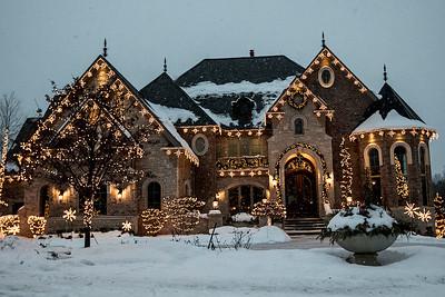hnews_adv_Holiday_lights.jpg