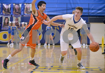 Wheaton North boys basketball vs Naperville North