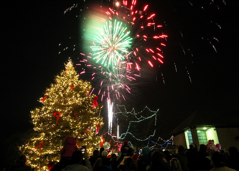 LCJ_1207_Wauc_Tree_Lighting_A