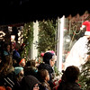 knews_thu_1207_ChristmasWalk8
