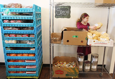 LCJ_1214_lv_food_pantry12_COVER
