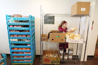 LCJ_1214_lv_food_pantry12