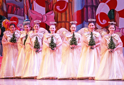 LCJ_1214_wau_nutcracker07_COVER