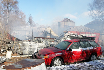 hnews_wed1213_mar_barn_fire3