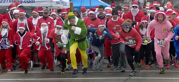 hnews_1202_Santa_Run_
