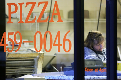 hnews_1231_Pinemoor_Pizza