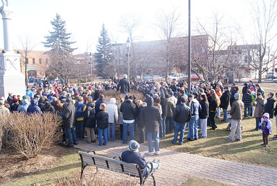 "Yadira Sanchez Olson - For the Northwest Herald A crowd of people gather near the gazebo in the Woodstock Square as part of the ""Groundhog Day"" walking tour on Saturday, February 4."