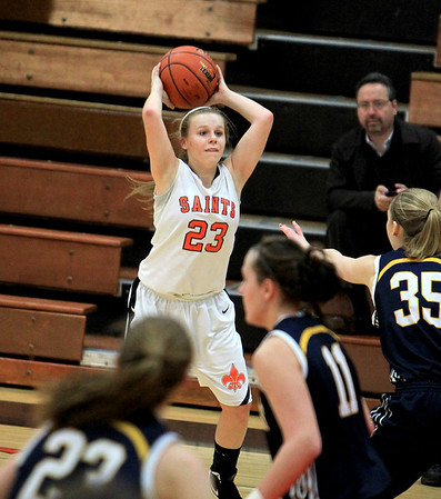 Sandy Bressner - sbressner@shawmedia.com<br /> St. Charles East's Amanda Hilton looks for a teammate to pass the ball to during their game against Neuqua Valley at East Thursday.