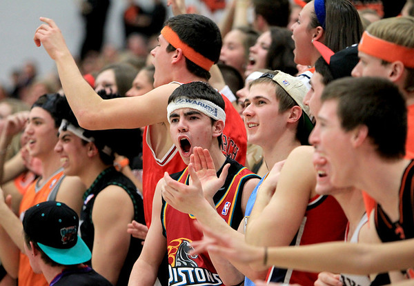 Sandy Bressner - sbressner@shawmedia.com<br /> St. Charles East vs. St. Charles North in a regional game at St. Charles North Tuesday night.
